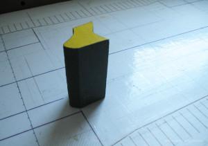 Пластилиновая форма с картонным трафаретом